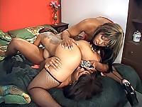 Raunchy black lesbian threesome