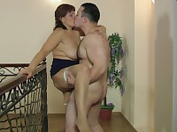 Viola and Peter kinky mom in action