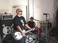 Blowjob at rock concert